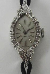 manual wind lady's wristwatch