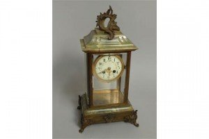 mantel clock,
