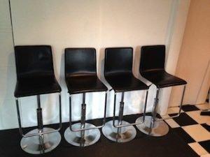 based swivel bar stools