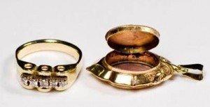 9 carat gold ring