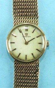 9 carat gold wrist watch