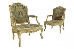 giltwood fauteuil a la reine