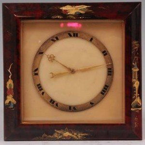 cased strut clock,