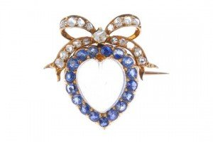 heart and bow brooch