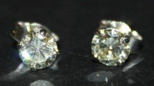 single stone earstuds