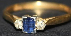three stone ring,