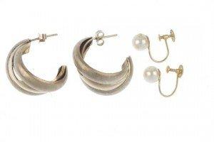 gold ear hoops
