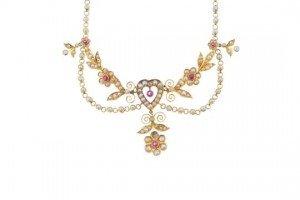 split pearl necklace