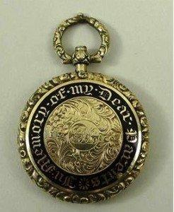 mourning pendant