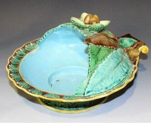 majolica chestnut serving dish