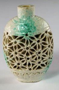 reticulated snuff bottle