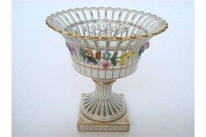 porcelain comport,