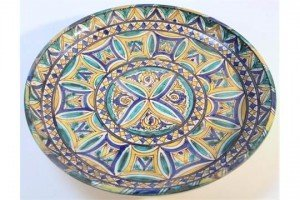 faience charger