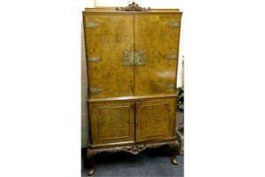 cabinet on cabinet,
