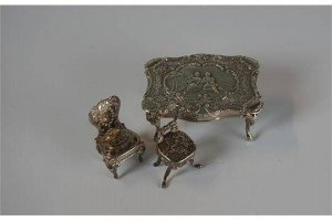 dolls house miniature table