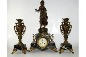 mantel clock garniture