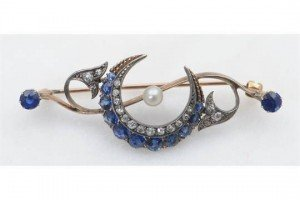 pearl set brooch