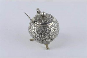 silver condiment pot