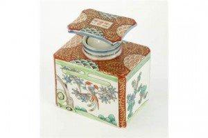 Japanese porcelain tea caddy