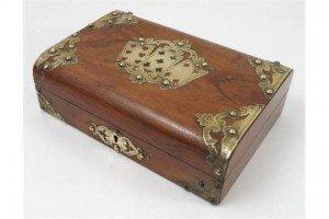 walnut games box