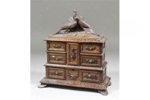 jewellery cabinet,